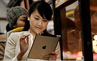 Ipad-Woman