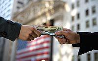 Hands-Money-A