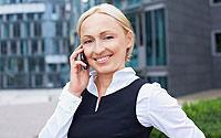 Smartphone-Woman-Shutterstock-A