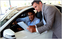 Auto-shopping-tablet-Shutterstock-A